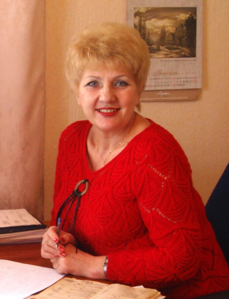 Надія Василівна Крюченко Заслужений працівник культури