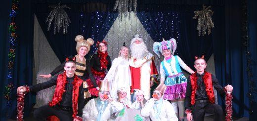 Студенти спеціалізації «Видовищно театралізовані заходи» готуються до святкування різдв'яно новорічних свят.